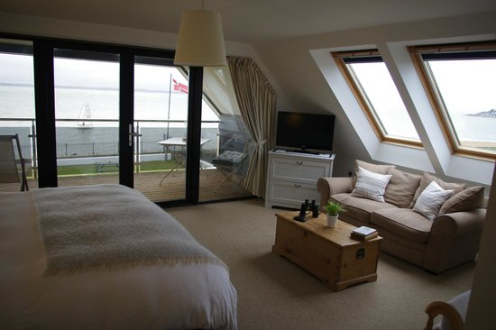 The Little Gloster Rooms: View of the Balcony Suite
