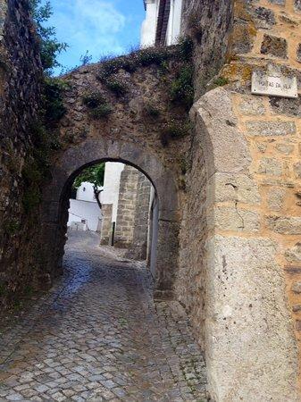 Pousada de Ourem - Fatima Historic Hotel : porta da Vila Medieval
