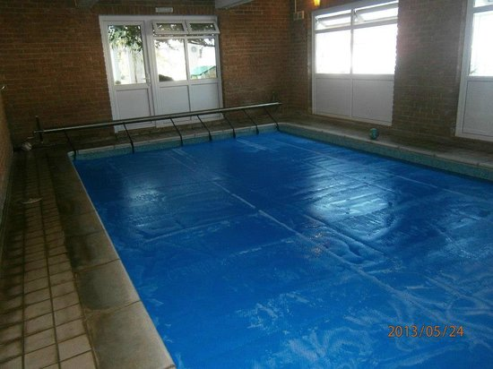 Malin House : Indoor pool with pull back cover