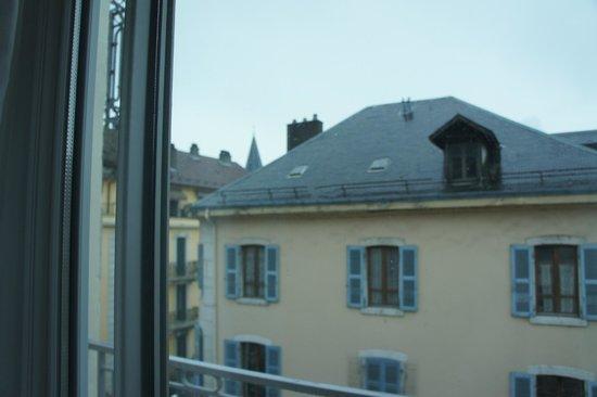 Mercure Annecy Centre : Vue de la fenêtre