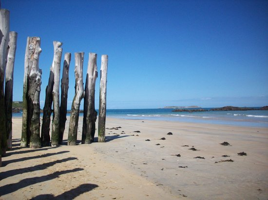 Les Cresnays, Francia: La Plage at San Malo, such a lovey day