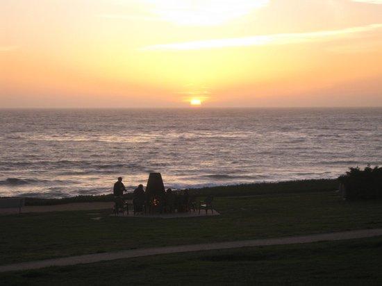 Cavalier Oceanfront Resort: Aussicht am Abend