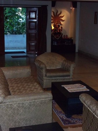 Emerald Residency: Drawing room and lobby