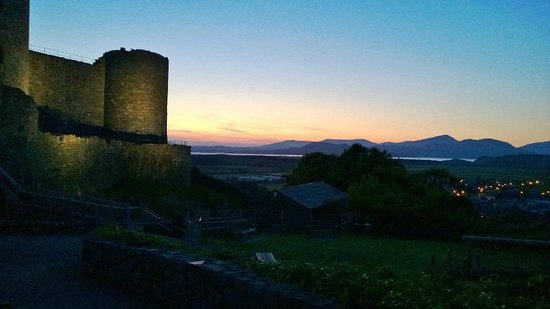 Gwrach Ynys: A view of Harlech Castle, minutes away from Gwarch Ynys