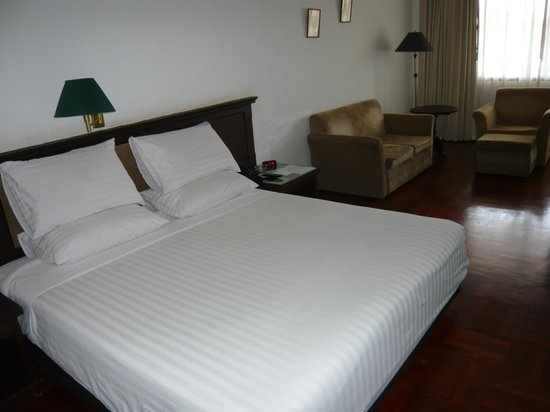BEST WESTERN Vientiane Hotel : Mattress firm but quite acceptable
