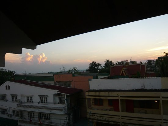 Best Western Vientiane Hotel: Sunset from balcony