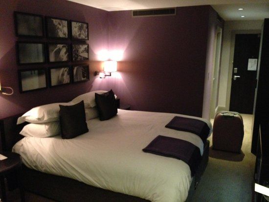 Hogarths Hotel: Our luxurious room