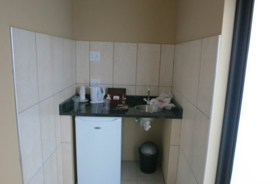 Klein Windhoek Guesthouse: little kitchenette and fridge for longer stays