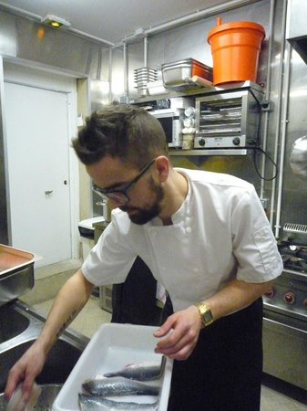 Les Dégommés : chef Camille Thibault in the kitchen : delicious cuisine made with fresh quality products...