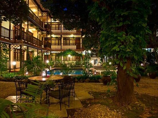 Protea Hotel Courtyard Dar es Salaam: Courtyard