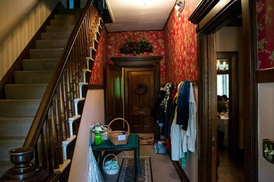 Black Swan Inn Bed and Breakfast: Hallway