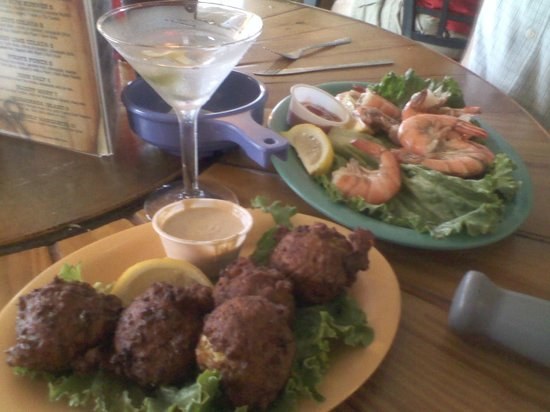 Smugglers Cove Restaurant and Bar: conch fritter, peel & eat shrimp. raspberry-tini