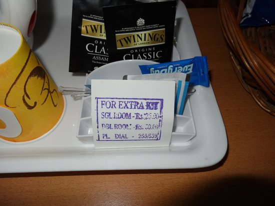 Hotel Aketa: Display showing the charges for tea coffee material kept in room