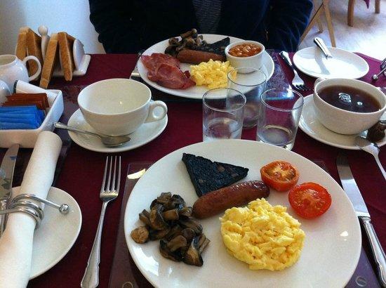 Ashbourne House: Fantastic English breakfast