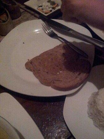 Zipp Bar Restaurant & Bungalows: garlic bread