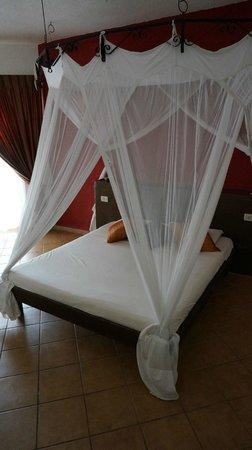 VOI Kiwengwa Resort : chambre avec balcon