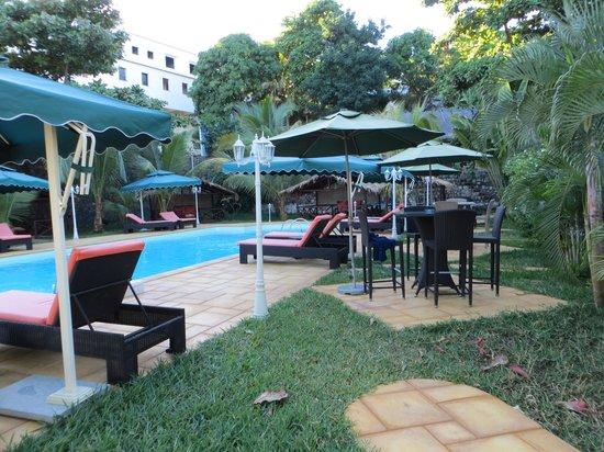 Piscine picture of hotel fishing residence mahajanga tripadvisor - Franck salama ...