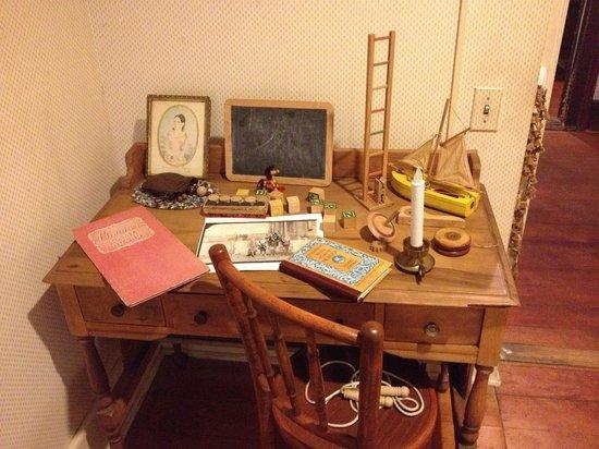 Gaslamp Museum at the Davis-Horton House: Children's desk