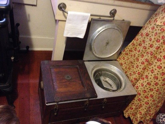 Gaslamp Museum at the Davis-Horton House: Crockpot