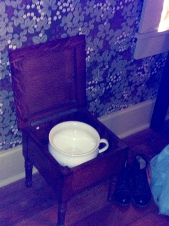 Gaslamp Museum at the Davis-Horton House: Toilet