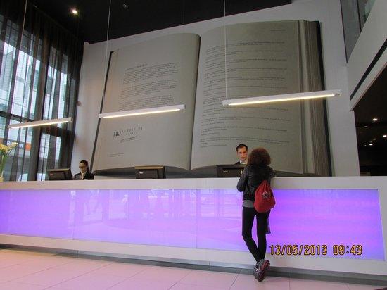 Reception Desk Bild Von Eurostars Book Hotel Munchen Tripadvisor