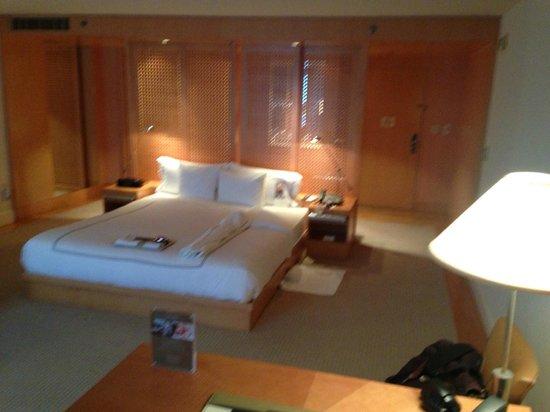 Viceroy L'Ermitage Beverly Hills : BEDROOM