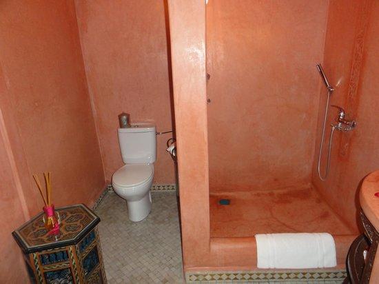 Riad El Mansour: バス・トイレはこんな感じです。