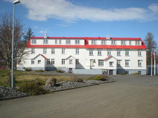 Gistihúsið Egilsstöðum: Front view -- Guesthouse Egilsstadir