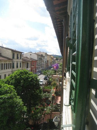 B&B Monte Oliveto: Picture of street from Sage Room