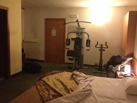 Ascot Lodging: Camera enorme con letto king size!