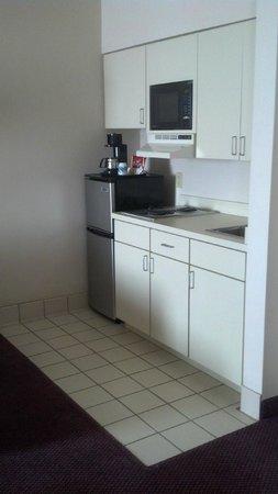 Ashmore Inn & Suites: Suite #201