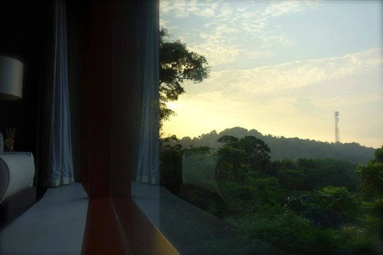 Capella Singapore: sun rise