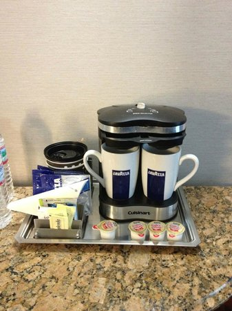 Hilton Durham near Duke University: Great coffee maker!!!