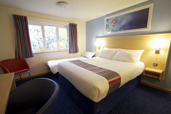 Travelodge Preston Central: Family Room
