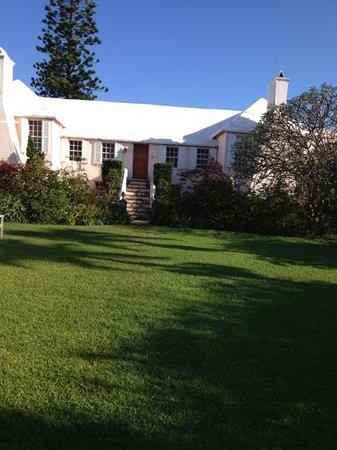 Granaway Guest House & Cottages: gorgeous Granaway in early morning sunshine