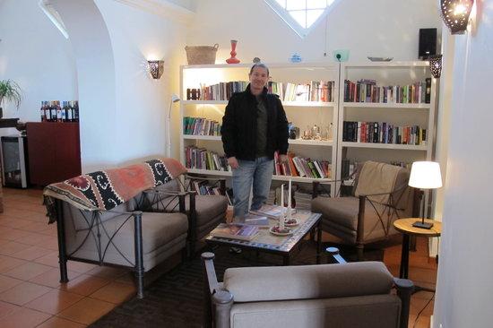 Albergaria do Calvario: Sala de leitura