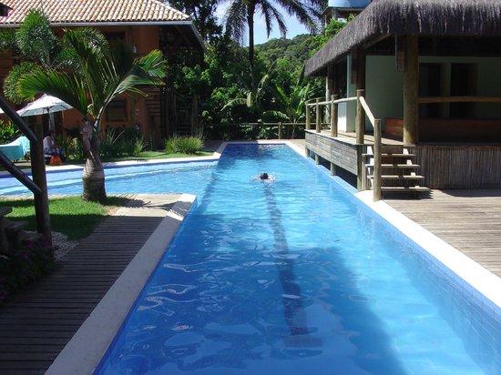 Pousada Vila do Dengo: piscina