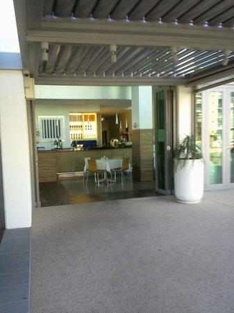 Poseidon Cafe & Bistro: Entrance