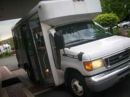 Fairfield Inn New York JFK Airport: Shuttlebus
