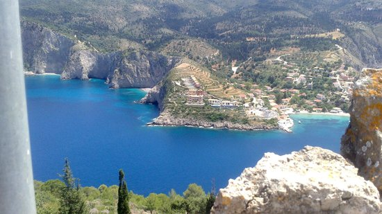 Greka Ionian Suites: View of Assos from Fortress above