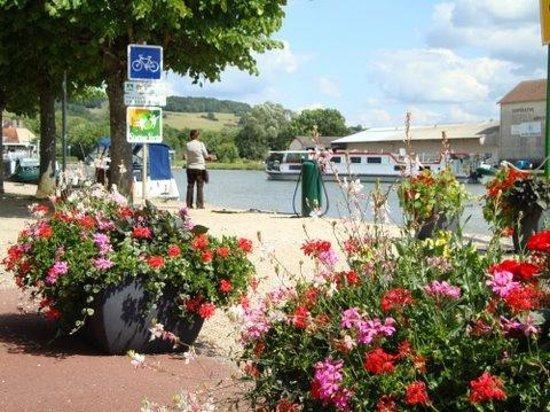 Office de tourisme de pouilly en auxois et son canton pouilly en auxois 2018 ce qu 39 il faut - Office tourisme cote d or ...