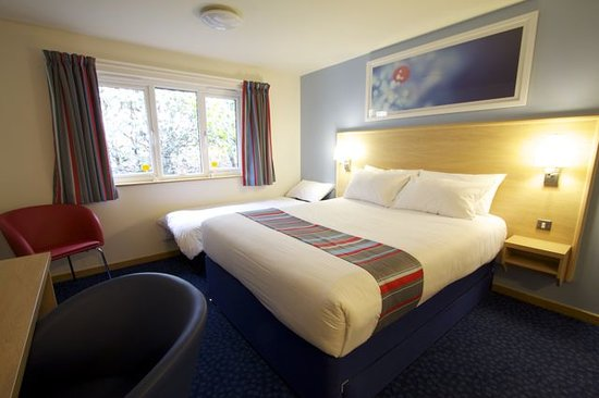 Glasgow Central Travelodge Family Room