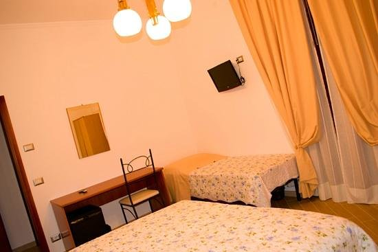 Bed and Breakfast Sant'Anna: camera tripla