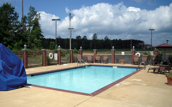 Holiday Inn Express Hotel & Suites Natchitoches: Holiday Inn Express Natchitoches Pool