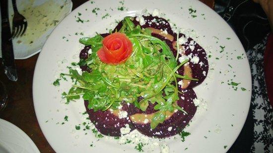 Cafe Chanson: Great Beet/Chevre Salad