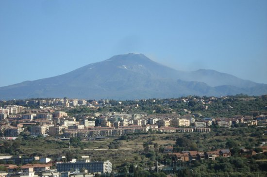 Lognina B&B : vue de l'Etna depuis le balcon
