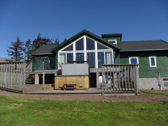Airhouses: Our Buchanan lodge on a hot day.