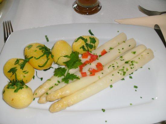 Restaurant Forsthaus Raschwitz: Spargel mit Kartoffeln