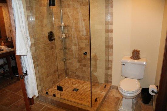 Little Palm Island Resort & Spa, A Noble House Resort: Indoor Shower