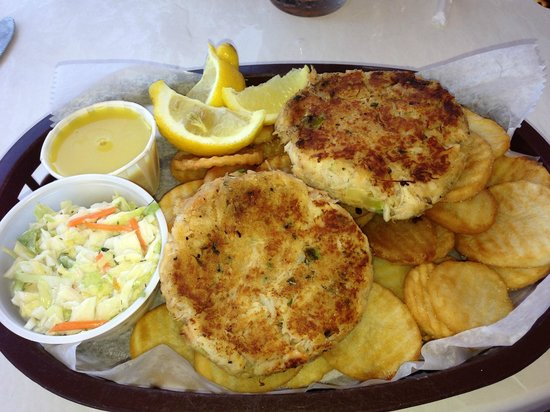 Mrs. Mac's Kitchen: OK Crab Cakes and dryish fries.